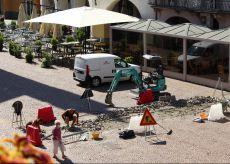 La Guida - Ad Alba iniziati i lavori di ripristino della pavimentazione