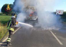 La Guida - Furgone in fiamme a Saluzzo