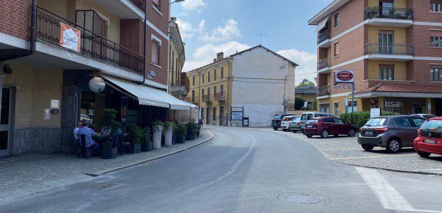 La Guida - Caraglio, via Roma è pericolosa: le macchine vanno troppo veloce