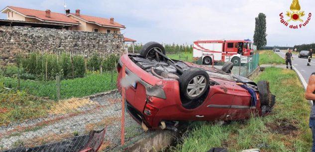 La Guida - Auto fuori strada a Savigliano, un ferito