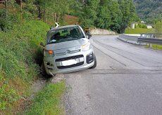 La Guida - Ammacca l'auto e la abbandona sulla statale di Limone