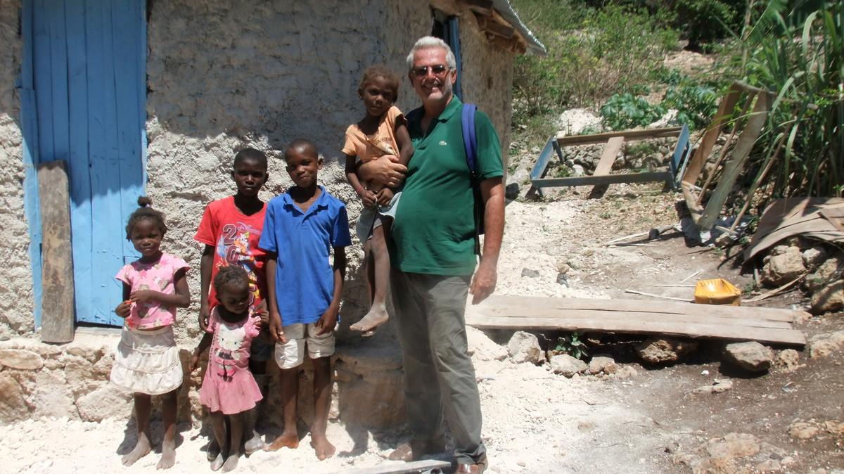 Padre Massimo Miraglio ad Haiti