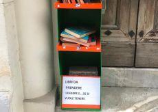 La Guida - Trinità, scaffali per il BookCrossing