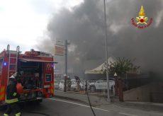 La Guida - Incendio in una concessionaria di auto