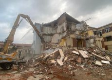 La Guida - Busca, riparte il cantiere di demolizione delle scuole medie