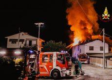 La Guida - In fiamme un'abitazione a Busca nella notte, gravi danni