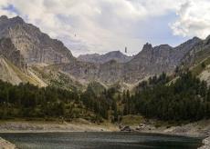 La Guida - Cinque acrobati in bilico fra note e natura