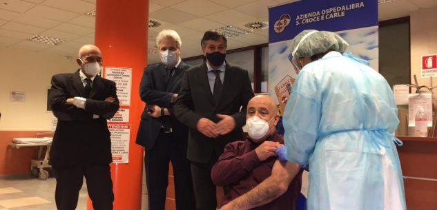 La Guida - 163 sanitari sospesi in provincia, ma molti cambiano idea e vanno a vaccinarsi