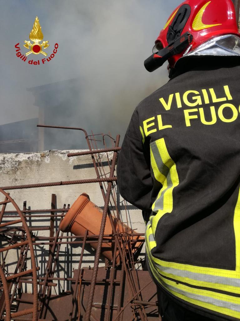 incendio in un fienile a Centallo