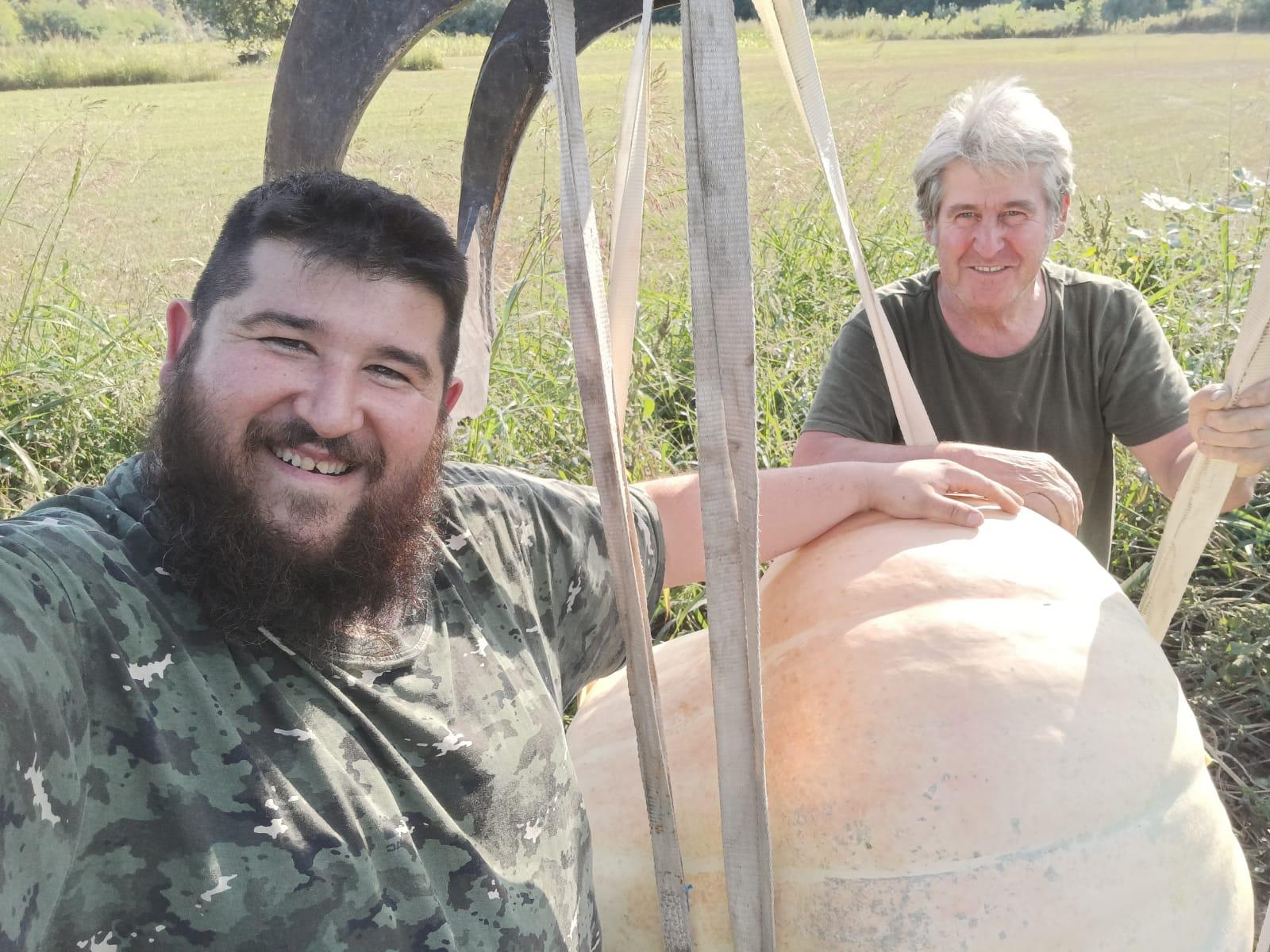 Farigliano - Andrea Bertone con il papà Italo