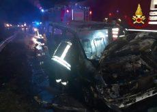 La Guida - Furgone in fiamme a Sant'Albano Stura, nessun ferito