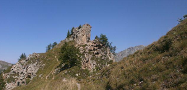 La Guida - Becchi Rossi, Monte Frontè e colle di Fenestrelle