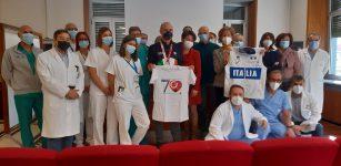 La Guida - La medaglia d'oro Diego Colombari incontra l'ospedale (video)
