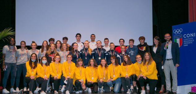 """La Guida - Premio """"CuneoViveLoSport"""" per 42 atleti """"nazionali"""" di otto società sportive della città (fotogallery)"""